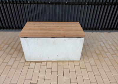 lavička z dreva