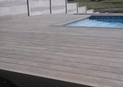 Terasa s bazénom