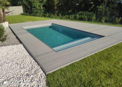 drevoplastova terasa okolo bazena 01