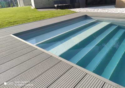 drevoplastova terasa okolo bazena 03